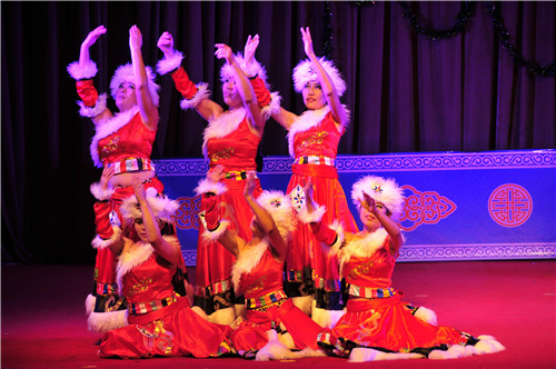 锡林郭勒盟东乌珠穆沁旗蒙古族幼儿园举办践行《3